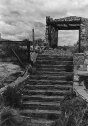 stairs_to_door 2